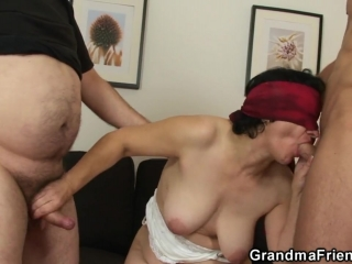 Внук трахает бабушку