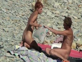 Смотреть порно видео, где парень трахает молодую телку в анал раком - это мечта любого