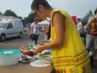 Девушка с большой грудью в сперме после уборки дома  для дрочки