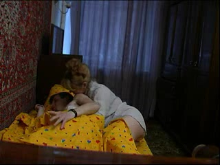 Сын ебет маму с большими сиськами у себя дома после душа
