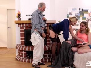 Порно видео инцест бабушки и внука дома у парня в спальне