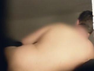 Ютуб порно hd  с красивой девушкой на кровати в чулках